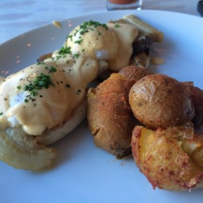 Greenpoint: Brunch at Esme